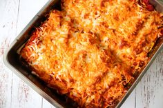 Pulled Pork Enchiladas Med Grøntsager Og Ost - Nem Aftensmad - One Kitchen DK Enchilada Sauce, Mexican Food Recipes, Ethnic Recipes, Enchiladas, Tortillas, Pulled Pork, Sour Cream, Lasagna, Macaroni And Cheese