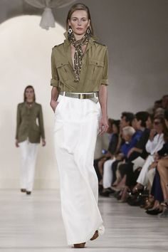 Ready To Wear khaki shirt dress and white pant at New York Fashion Show Dresses By Ralph Lauren 2015 Fashion Trends, Fashion 2017, New York Fashion, Boho Fashion, Fashion Show, Live Fashion, Fashion News, Ralph Lauren New York, Ralph Lauren Safari