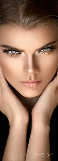 Portrait of Matylda on Behance Most Beautiful Faces, Stunning Eyes, Pretty Eyes, Cool Eyes, Girl Face, Woman Face, Belle Silhouette, Photographie Portrait Inspiration, Photoshoot Makeup