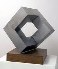 Imagini pentru geometric abstract sculpture cube Geometric Sculpture, Abstract Sculpture, Geometric Art, Sculpture Art, Contemporary Sculpture, Contemporary Art, Gravure Metal, Cement Design, Sculpture Projects