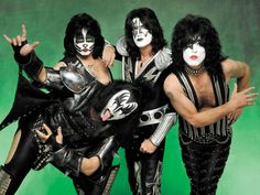 In a recent interview with Classic Rock, former Kiss guitarist Ace Frehley has pulled no punches when it comes dissing the dirt on his former bandmates, Gene Simmons and Paul Stanley. Rick Genest, Party Rock, Boy George, Banda Kiss, Amy Winehouse, Michael Jackson, Paul Stanley, Kiss Band, Dita Von Teese