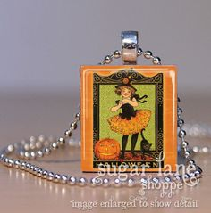 New! Vintage Halloween Necklace