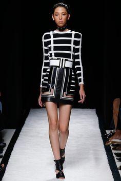 Balmain Spring 2015 Ready-to-Wear Fashion Show - Issa Lish (PREMIUM)