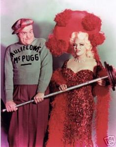 The Red Skelton Hour, episode: 'Goodness Had Nothing to Do with It.' Originally broadcast March Mae West (as herself) and Red Skelton (as Cauliflower McPugg). Image dated January Golden Age Of Hollywood, Vintage Hollywood, Hollywood Glamour, Classic Hollywood, Mae West, Red Skelton, Broadway Costumes, Old Movie Stars, Star Wars
