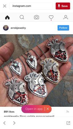 Jewelry Crafts, Jewelry Art, Beaded Jewelry, Fine Jewelry, Handmade Jewelry, Jewelry Design, Urban Jewelry, Enamel Jewelry, Sacred Heart