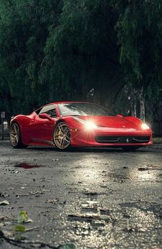 The Ferrari 458 is a supercar with a price tag of around quarter of a million dollars. Photos, specifications and videos of the Ferrari 458 Ferrari 458, Maserati, Ferrari Daytona, Ferrari 2017, Wallpaper Carros, Supercars, Carros Audi, F12 Berlinetta, Ferrari California