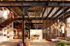 I've always loved Lofts.this looks like a loft. Loft D'entrepôt, Loft Stil, Casa Loft, Loft Room, Loft House, Fun House, Warehouse Living, Warehouse Loft, Converted Warehouse
