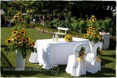 sunflower wedding decorations | Lemons and sunflowers, together with elegant 'Bottom Green ..