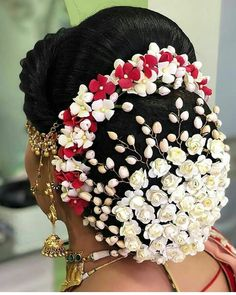 Indian Wedding Bun Hairstyle Pictures for to-be-brides – FABB, – Bun Hairstyles Bridal Hairstyle For Reception, Bridal Hairstyle Indian Wedding, South Indian Bride Hairstyle, Bridal Hair Buns, Bridal Braids, Bridal Hairdo, Indian Wedding Hairstyles, Bride Hairstyles, Engagement Hairstyles