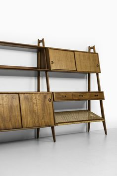 Rare freestanding bookcase designed by Arne Vodder & Anton Borg and produced by Vamo in Denmark