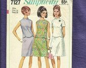 1967  Simplicity 7127 Star Trek Easter Suit Top with Scallop Hemline & Standing Collar  Matching Skirt Size 16