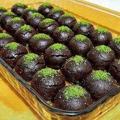 Brownies und Kekse-Rezept - Yemek Tarifleri - Resimli ve Videolu Yemek Tarifleri Brownie Recipes, Cookie Recipes, Snack Recipes, Dessert Recipes, Turkish Recipes, Indian Food Recipes, Choco Truffle, Pie Dessert, Brownies