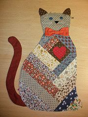 I think this stately cat will fit in nicely with my fall decor. Cat Art quilt