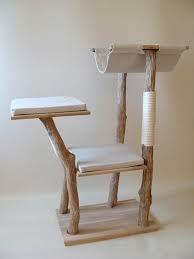 a bas les arbres chat en moumoute des ann es 90 et bonjour l 39 arbre chat en bois naturel il faut. Black Bedroom Furniture Sets. Home Design Ideas