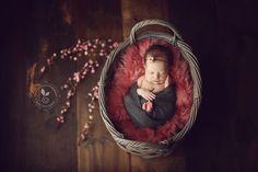 Pebbles and Polka Dots Photography | Worcester, Massachusetts | Beyond the Wanderlust | Artist Spotlight | Maternity, Newborn and Family Photographer