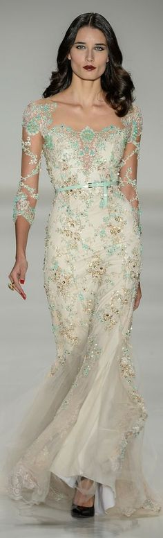 """Samuel Cirnansck RTW Summer 2015 while i like the dress, the model kind of looks like """"the Ice Queen"""". Stunning Dresses, Beautiful Gowns, Elegant Dresses, Pretty Dresses, Beautiful Outfits, Formal Dresses, Wedding Dresses, Couture Mode, Couture Fashion"""