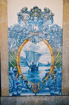 azulejos of Rio Tinto Train Station, Portugal / Estação Ferroviária de Rio Tinto