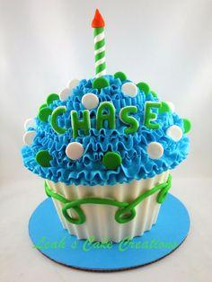 giant cupcake smash cake. Totally getting this for masons cake smash