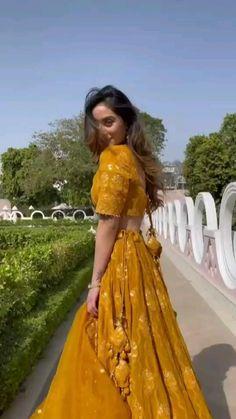 Party Wear Indian Dresses, Designer Party Wear Dresses, Indian Gowns Dresses, Indian Bridal Outfits, Indian Bridal Fashion, Dress Indian Style, Indian Fashion Dresses, Indian Designer Outfits, Stylish Dress Designs