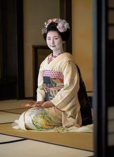 maiko 舞妓 Miyagawacho 宮川町 Fukuno ふく乃 KYOTO JAPAN