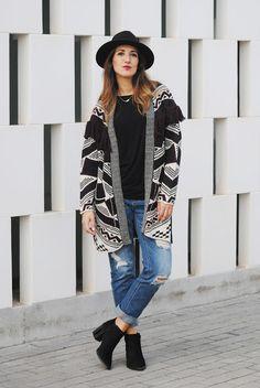 Ethnic cardigan. http://www.fashion-south.com/2015/11/ethnic-cardigan.html#more