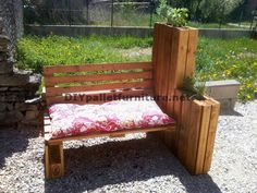 Muebles de palets: Banco jardinera para tomar el sol de palets