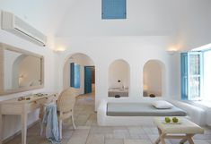 Black Rose Luxurious Suites in Santorini