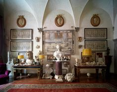 An Architectural Lensman Carves out a Singular Home in Florence — 1stdibs Introspective