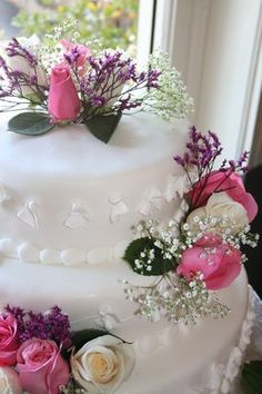 One of our wonderful wedding cakes | Yelp