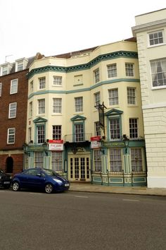 The Sally Port Inn on High Street © Steve Daniels Portsmouth Pubs, Portsmouth Harbour, Portsmouth England, Hampshire Uk, Hms Victory, Stills For Sale, Isle Of Wight, England Uk, Sally