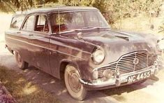Old Photos cars in Rhodesia Ford Zephyr, Car Photos, Car Ins, Antique Cars, Birth, River, Vintage Cars, Being A Mom, Rivers