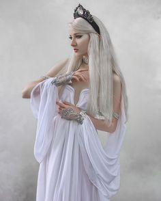 - Moon goddess fantasy costume pagan wedding handfasting wicca priestess medieval diosa griega fairytale sailor moon cosplay bellydance – Source by - Pagan Wedding, Sailor Moon Cosplay, Goddess Dress, Fantasy Photography, Moon Photography, Moon Goddess, Goddess Pagan, Fantasy Dress, Fantasy Art