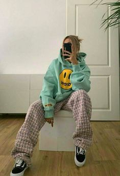Adrette Outfits, Skater Girl Outfits, Indie Outfits, Retro Outfits, Cute Casual Outfits, Fashion Outfits, Beach Outfits, Boyish Outfits, Vintage Outfits