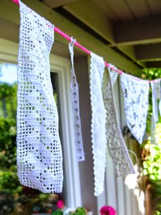 Spitzengirlande / Garland made of doilies / Upcycling