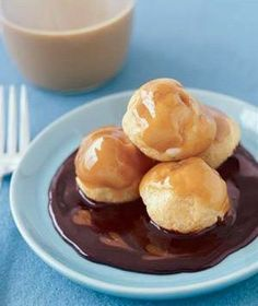 10 Delicious Caramel Desserts and Treats.