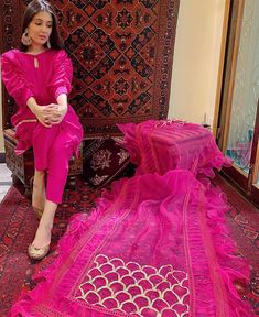 Pakistani Party Wear Dresses, Shadi Dresses, Designer Party Wear Dresses, Pakistani Dress Design, Indian Designer Outfits, Pakistani Outfits, Indian Outfits, Pakistani Clothing, Pakistani Fashion Casual