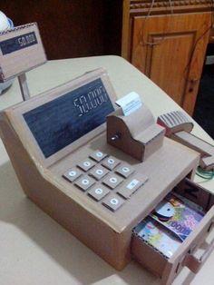 Cash Register Machine from cardboard Cardboard Crafts Kids, Cardboard Toys, Fun Diy Crafts, Recycled Crafts, Diy For Kids, Crafts For Kids, Cardboard Dollhouse, Cash Register, Dramatic Play