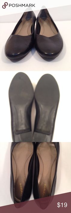 Easy Spirit Womens Black Leather Pump Low Heel Easy Spirit Womens Black Leather Pump Low Heel Slip On Kimbra Easy Spirit Womens Black Leather Pump Low Heel Slip On Kimbra 1.5 inch heel Dressy Comfort Minor scuffs on heels from driving.  Only noticeable close up.  Polish should cover Easy Spirit Shoes Heels