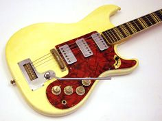 1963 Hofner 173 | via wutzdog guitars