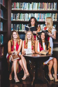 senior photos - gamma phi beta  book stacks