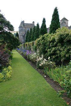 Falkland Palace, Fife, Scotland ~ Discover romantic getaways, alternative honeymoon ideas and the best honeymoon destinations on Mrs. Purple Rose's blog. Explore here www.mrspurplerose.com