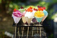 Origami cupcakes.