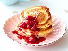 Frühstücksideen fürs Wochenende - buttermilch-kokos-pancakes  Rezept