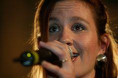 Küttigen - Marianne unterrichtet Gesang