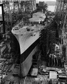 USS Alabama (BB at Norfolk Navy Yard on this day 75 years ago. The last battleship built in Hampton Roads. Naval History, Military History, Uss Alabama, Navy Coast Guard, Us Battleships, Capital Ship, Us Navy Ships, Work Pictures, Man Of War