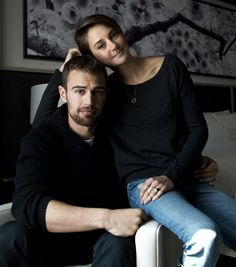 Shailene Woodley and Theo James liat @Febriany Ode