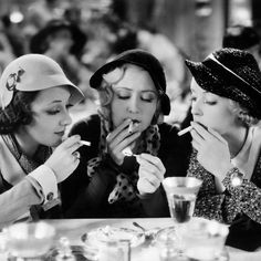 """Actresses Bette Davis Joan Blondell and Ann Dvorak in Mervyn LeRoy's film, """"Three on a Match,"""" Golden Age Of Hollywood, Vintage Hollywood, Hollywood Glamour, Classic Hollywood, Hollywood Heroines, Hollywood Stars, Hollywood Actresses, Old Movies, Vintage Movies"""