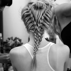 This has to be one of the most difficult-looking braids I have ever seen! But it would be worth it! :)