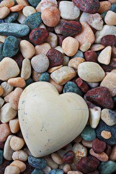 Rocks, Stones and Crystals - Moja strona Stone Wallpaper, Heart Wallpaper, Flower Wallpaper, Nature Wallpaper, Apple Wallpaper, Print Wallpaper, Screen Wallpaper, Love Heart Images, I Love Heart