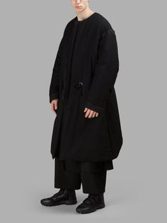 YOHJI YAMAMOTO MEN'S BLACK COLLARLESS COAT  - BLACK - COLLARLESS - ZIP CLOSURE - REMOVABLE SLEEVES - WAIST DRAWSTRING - INTERNAL POCKET - RUNWAY LOOK 6 - 100% WOOL - MADE IN JAPAN